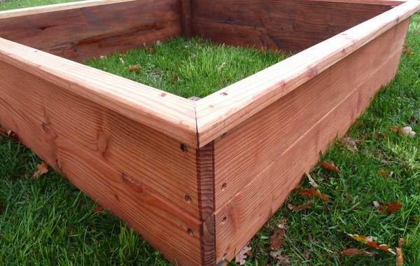 Carré potager 120 x 120 x 30cm en bois de Douglas vernis à l'huile de lin