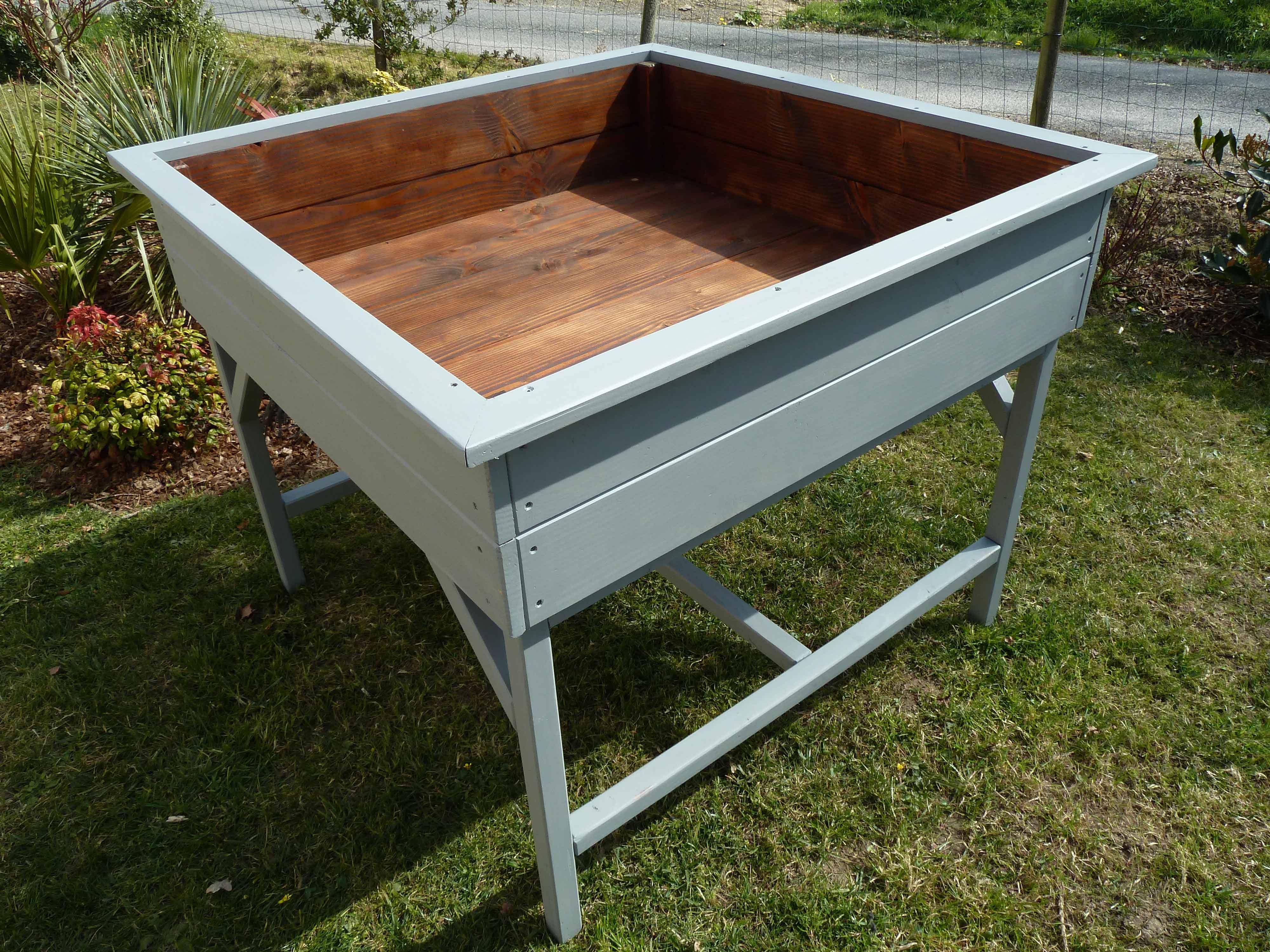 Carr potager sur lev 120x120x100 o 39 bio potager for Carre en bois pour potager pas cher