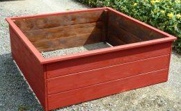 Carré potager 120x120x45 en Douglas coloré et goudron de pin